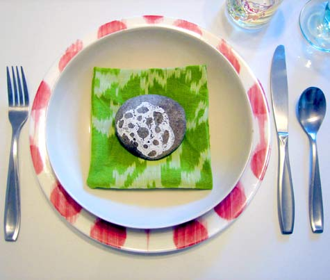 Pebble-place-setting