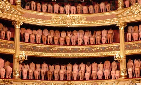 Undress circle - bruges theatre