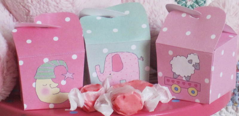 Three_pink_girls_boxes